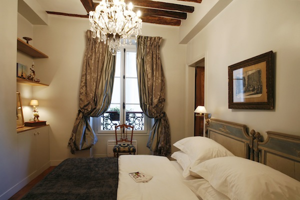 Paris-Vacation-Rental-Marais-Magic-Marais-Rue-de-Bretagne